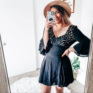 Latiste black lace dress